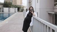<p>Kalau yang ini saat usia kehamilan Sabai Morscheck mencapai 30 minggu. Sabai pun memberi kode pada sang suami untuk liburan. (Foto: Instagram @sabaidieter)</p>
