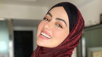 <p>Selain itu Sana Khan juga kerap mengunggah foto-foto religius dan postingan Islami di Instagram dalam beberapa tahun terakhir. (Foto: Instagram @sanakhaan21)</p>