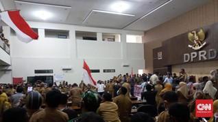 Ribuan PNS Tidore Demo Tunjangan, Anggota DPRD Nyaris Dipukul