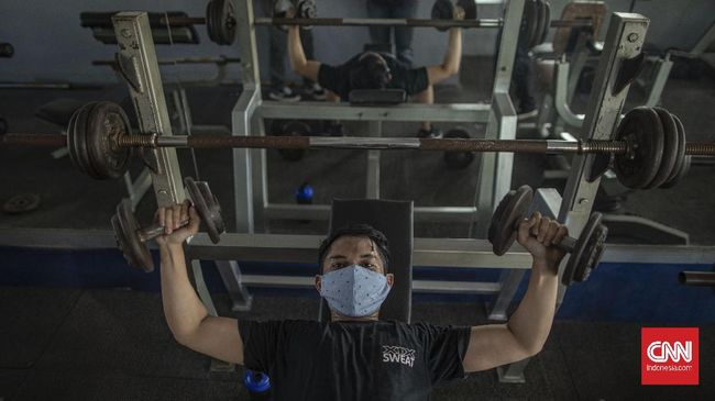 Pemprov DKI menutup sementara fasilitas olahraga selama masa PPKM mikro yang berlaku hingga 5 Juli mendatang.