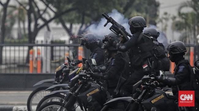 Massa Aliansi Aliansi Nasional Anti Komunis (ANAK) NKRI menggelar aksi menolak omnibus law Cipta Kerja di Jakarta Pusat, Selasa (13/10).
