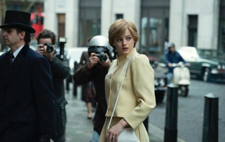 Emma Corrin pemeran Putri Diana