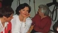 <p>Sophia Latjuba juga membagikan foto sang ibunda ketika berusia 20 tahun lalu. Netizen pun memuji bahwa ibunda Sophia sangat cantik. (Foto: Instagram @sophia_latjuba88)</p>