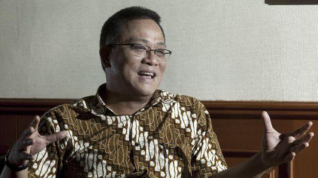 Petinggi Koalisi Aksi Menyelamatkan Indonesia (KAMI) Jumhur Hidayat turut ditangkap seperti Syahganda Nainggolan dan Anton Permana.
