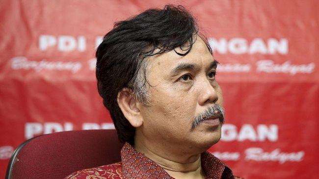 Husin Shihab bersaksi bahwa cuitan Deklarator KAMI Syahganda Nainggolan ikut memicu demonstrasi menolak Omnibus Law berujung ricuh.