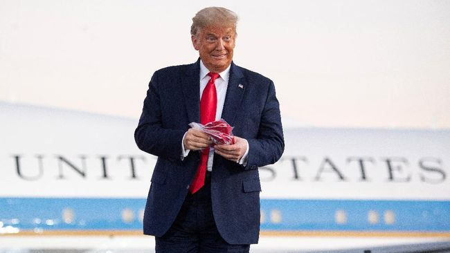 Catatan pajak Presiden AS Donald Trump mengungkapkan bahwa dia memiliki bisnis di China selama bertahun-tahun dan punya rekening bank Tiongkok.