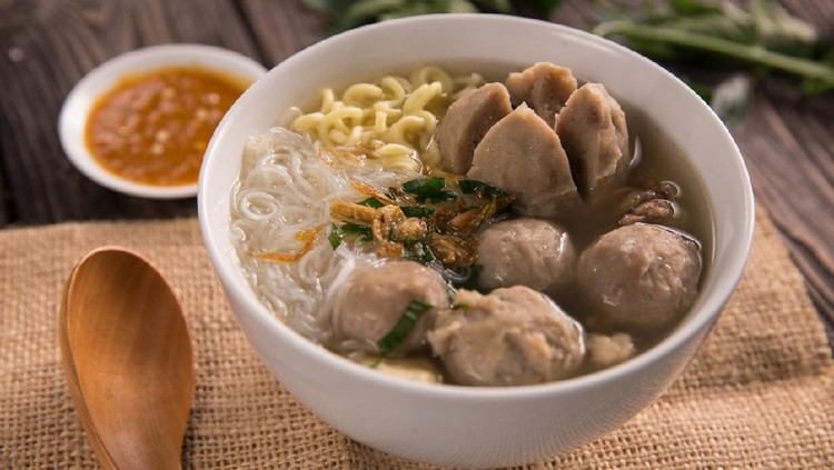 Bakso. indonesian meatball served with soup and noodle