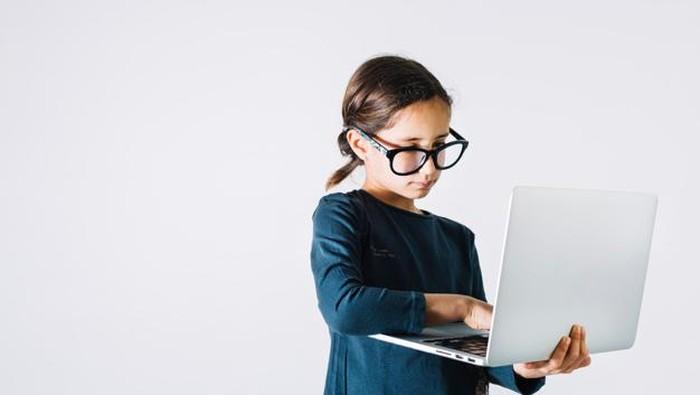 Kapan Anak Siap untuk Bermain Media Sosial?
