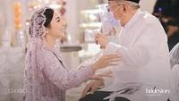 <p>Pengajian yang diadakan di rumah Nikita ini adalah salah satu rangkaian acara menuju pernikahan. Kabarnya, Nikita dan Indra akan meresmikan hubungan mereka pada minggu ini. (Foto: Instagram @thebridestory)</p>