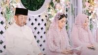 <p>Artis Cantik Nikita Willy segera dipersunting Indra Priawan. Jelang pernikahan, Nikita menggelar pengajian di kediamannya. (Foto: Instagram @thebridestory)</p>