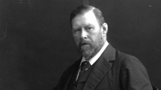 Penulis novel fiksi Bram Stoker mengaku bahwa cerita dari novel yang terbit pada 1897 tersebut dibangun dari kejadian nyata.
