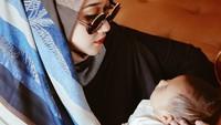 <p>Bayi perempuan tersebut diberi nama Rumi. (Foto: Instagram @dianpelangi)</p>
