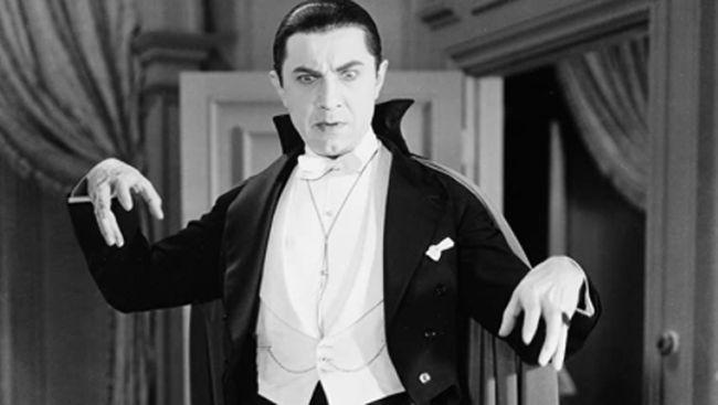 Citra drakula pada umumnya adalah berdasarkan imaji Bram Stoker lewat novelnya yang rilis pada 1897, Dracula.