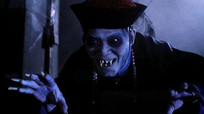 Jauh sebelum zombi menjadi hit di Indonesia, jiangshi atau yang juga dikenal sebagai vampir China sudah lebih dahulu hit dan 'menghantui' tanah air.