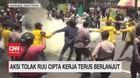 VIDEO: Aksi Tolak RUU Cipta Kerja Terus Belanjut