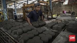 FOTO: Paving Block untuk Perumahan dari Limbah Plastik