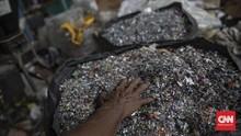 3 Mahasiswa RI Sulap Limbah Plastik Menjadi BBM