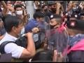 VIDEO: Pedemo Thailand Saling Dorong dengan Polisi