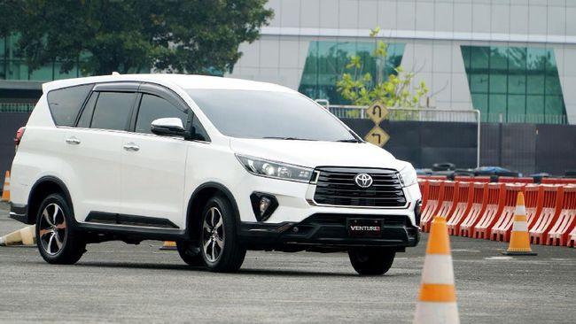 Toyota Indonesia diduga berencana menambahkan teknologi hybrid pada Innova, produk yang selama ini jadi andalan penjualan domestik dan ekspor.