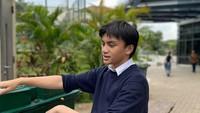 <p>Arka merupakan anak bungsu dari Anjamara. Akhir Januari 2020 lalu, Arka genap berusia 14 tahun, Bunda. (Foto: Instagram @aruckerman, @anjasmara)</p>