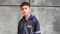 <p>Berdasarkan media sosialnya, Baim kini menjadi gamer. Ia tergabung dalam tim eSport yaitu Dreamers. (Foto: Instagram @baimalkatiri)</p>