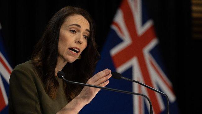 PM Selandia Baru Jacinda Ardern menuduh Australia lari dari tanggung jawab dengan mencabut status kewarganegaraan wanita yang ditahan Turki terkait ISIS.