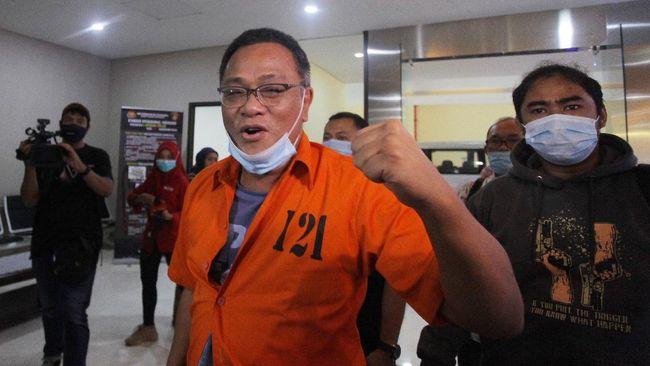 Aktivis KAMI Jumhur Hidayat akan menyampaikan nota keberatan atau eksepsi terhadap dakwaan jaksa dalam sidang di PN Jaksel siang ini.