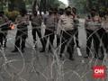 Sisir Merdeka Selatan, Polisi Adang Remaja Ikut Demo