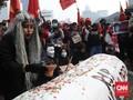 FOTO: Awan Mendung Selimuti Demo Tolak Omnibus Law