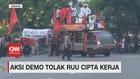 VIDEO: Aksi Demo Tolak UU Ciptaker Terus Berlanjut