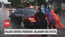 VIDEO: Hujan Deras Rendam Jalanan Ibu Kota