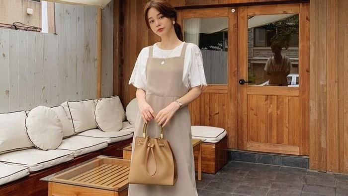6 Referensi Simple Dress yang Cocok untuk Casual Look!