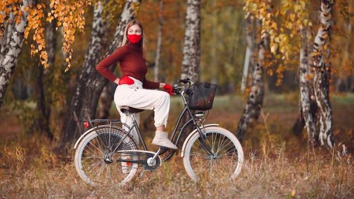 Olahraga Sepeda Bikin Sehat, Tapi Harus Tetap Jaga Jarak