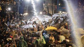 Thailand Blokir Foto Selfie dan Postingan Medsos Respons Demo