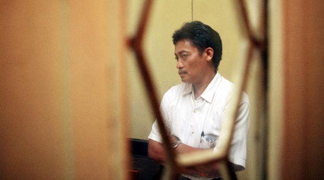 Mantan narapidana kasus pembunuhan aktivis HAM Munir, Pollycarpus Budihari Priyanto, meninggal dunia karena Covid-19, pada Sabtu (17/10).