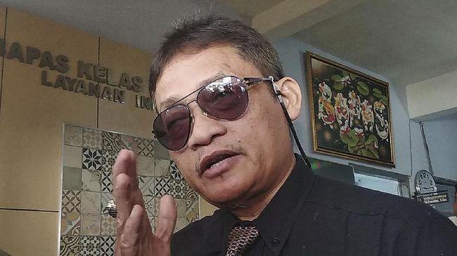 Pollycarpus Budihari Prijanto, mantan terpidana kasus pembunuhan aktivis HAM Munir Said Thalib, meninggal dunia setelah terpapar virus corona.