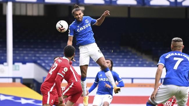 Liverpool gagal menang atas Everton di Goodison Park usai gol Jordan Henderson dianulir VAR dalam pekan kelima Liga Inggris.