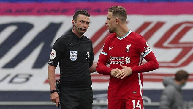 John Aldridge menyatakan Jordan Henderson dan Georginio Wijnaldum sebagai sosok yang pantas untuk jadi solusi krisis bek tengah yang dialami The Reds.