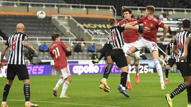Manchester United menang telak 4-1 atas Newcastle United di Stadion St. James' Park, Minggu (18/10) dini hari waktu Indonesia.