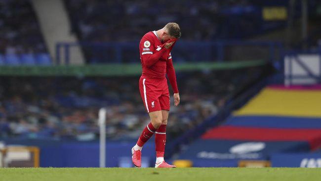 Bukan hanya kegagalan menang yang diratapi Liverpool dalam laga lawan Everton, melainkan juga badai cedera yang datang.