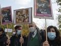 Polisi Prancis Buru Kelompok Ekstremis Pasca Pemenggalan Guru