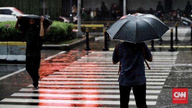 BMKG memperkirakan hujan sedang hingga l ebat mengguyur Jabodetabek pada Rabu (20/1) dini hari hingga pukul 4.00 WIB.