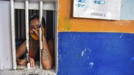FOTO: Momok Covid-19 di Lapas Perempuan Pekanbaru