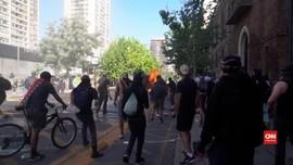 VIDEO: Unjuk Rasa Sebelum Referendum Cile Berakhir Bentrok