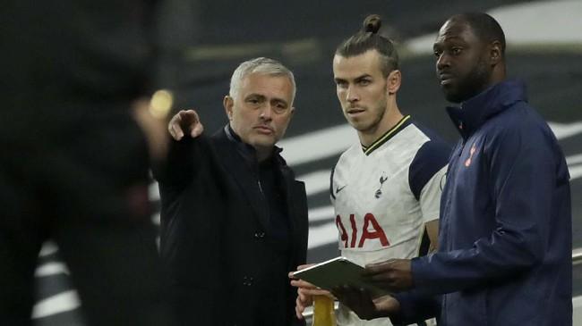 Tottenham Hotspur unggul 3-0 atas West Ham United hingga menit ke-81, namun The Lilywhites harus puas dengan hasil imbang saat laga bubar.