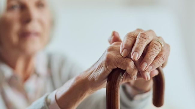 Menurut penelitian yang dilakukan terhadap orang lanjut usia di China, tidur siang ternyata berkaitan erat dengan peningkatan fungsi kognitif.