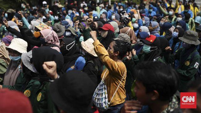 Setelah tenggat waktu ultimatum terkait nasib 57 pegawai KPK dilewati Presiden Jokowi, aliansi BEM SI menggelar demonstrasi di Jakarta hari ini.