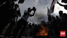FOTO: Demo Omnibus Law, Kado Satu Tahun Jokowi-Ma'ruf