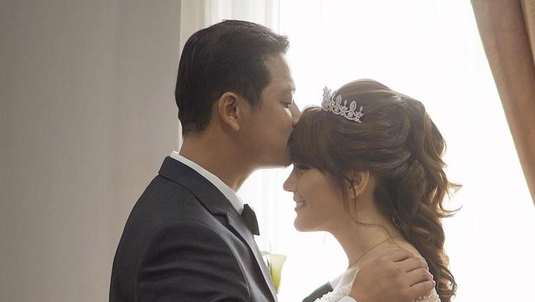 3 Fakta tentang Pernikahan Angela Lee & Alexander
