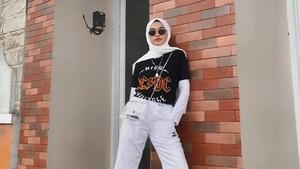 Tips Fashion dengan Pashmina Putih